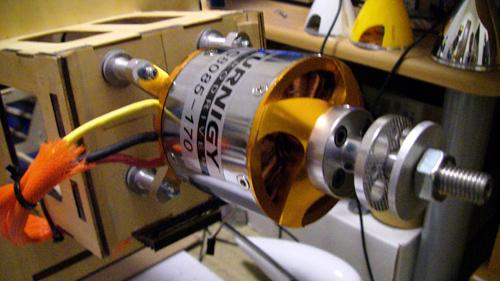 TR 80-85-B 170Kv Brushless Outrunner (eq: 70-40)