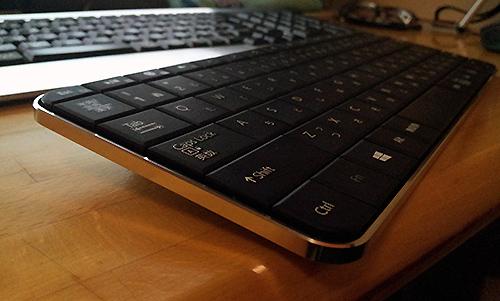 Microsoft Wedge モバイルキーボード